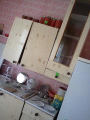 кухня 10 предметов со столом,  4 стула,  навесные полки