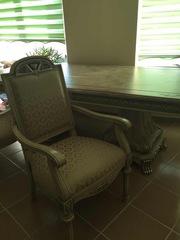 Продается огромный резной стол со стульями в шикарную столовую. 2000$