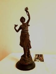 Редкая,  бронзовая , статуэтка -Девушка с цветком F422S352dK